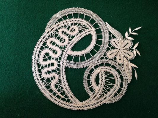 lacemaking bobbin lace easy art