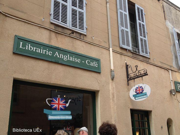Librería en Aix-en-Provence (Francia) Imagen enviada por nuestra compañera Ángeles Ferrer #librerías #libros