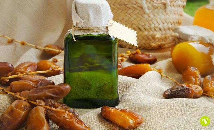 L'olio di dattero; oro del deserto. Nutriente sui capelli, lenitivo sulla pelle sensibile, antinfiammatorio sulla pelle acneica, è una panacea.