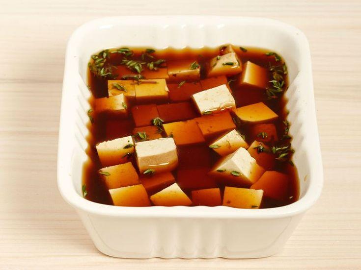 Découvrez la recette Tofu mariné sauce soja sur cuisineactuelle.fr.