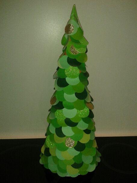 Sapin en papier pour décoration de table de Noël