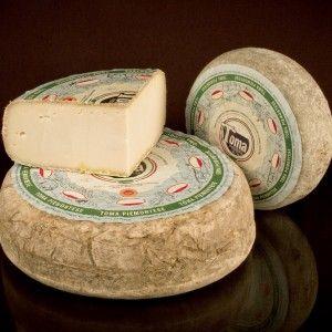 Piemonte PDO #Cheese #ItalianCheese #ItalianFood #Piemonte #Italy http://www.formaggio.it/formaggio/toma-piemontese-d-o-p/