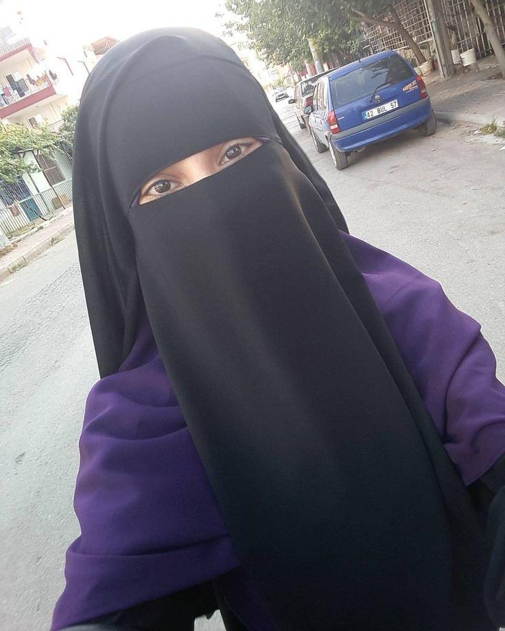 """74 Likes, 1 Comments - 💛🌹jilbab & niqap designer🌹💛 (@la_tahzen_butik) on Instagram: """"▶orta boy 3 katlı burka peçemiz 60tl 😍 ▶renk seçeneklerimiz mevcuttur.✔ ▶sipariş için DM.📩 #abaya…"""""""