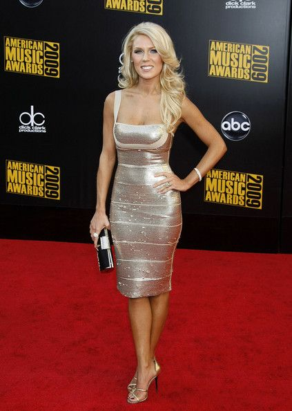 Gretchen Rossi Photo - 2009 American Music Awards - Arrivals  I just love her hair.