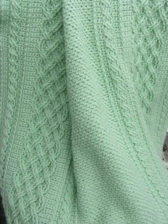 les 59 meilleures images du tableau vert pastel sur pinterest vert menthe couleur menthe et. Black Bedroom Furniture Sets. Home Design Ideas