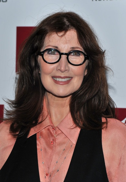 Joanna Gleason, adorable in those glasses