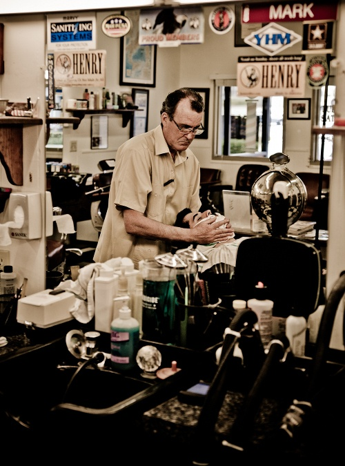 Straight Razor Shave. Awesome photos.