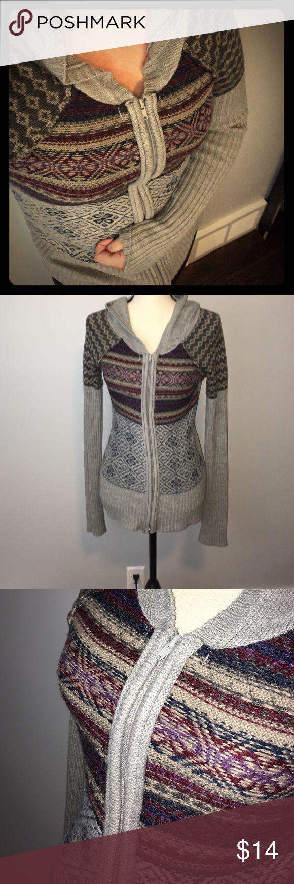 SALE BKE tribal zip up hoodie Knit Aztec sweater Excellent condition! 0 signs of wear or usage. This is a BKE women's zip up sweater from the Buckle. The stitching gives off an Aztec/tribal vibe. Cute! BKE Sweaters Cardigans