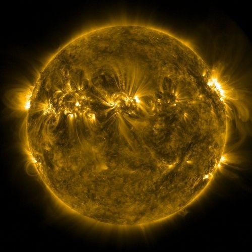 Sondas espaciais registram atividade do Sol - Fotos - Ciência