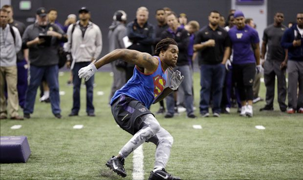 UW pro day: Shaq Thompson honing in on what positions to play in NFL - Shaq Thompson participated in drills at both linebacker and defensive back at UW's pro day on Thursday ... UW Huskies | 710 ESPN Seattle