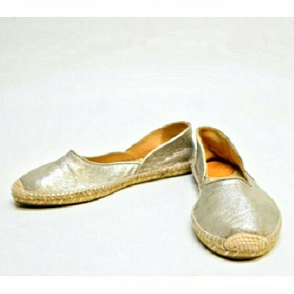 "$99. MRP $275. Rag & Bone NEW Silver Espadrilles - Sz 8. UNWORN, NWOB soft & touchable leather espadrilles. Shimmer. Neutral metallic goes with everything. Glam, getaway style of espadrilles. Leather upper; rubber sole. Lightly padded insole. Imported from Spain. Round jute-capped toe. Collar dips at center. Contrast patches at 0.5"" flat heel. Jute midsole and footbed. Outsole length - 10.25"" Width at ball - 3.25"" Size - EU 39.5 (US 8.5/9), fits like a US 8 Label - Rag & Bone Materials..."
