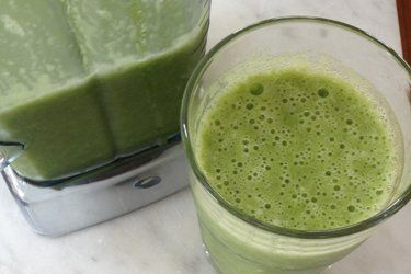 Tam's green juice recipe, Bite – There's been a lot of talk about juices and smoothies in the Bite kitchen of late, with many of us adding them in to our diet for one reason or another. – foodhub.co.nz