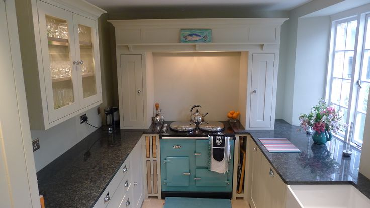 Neptune Suffolk Kitchen with stunning blue Esse EC2 Electric cooker…