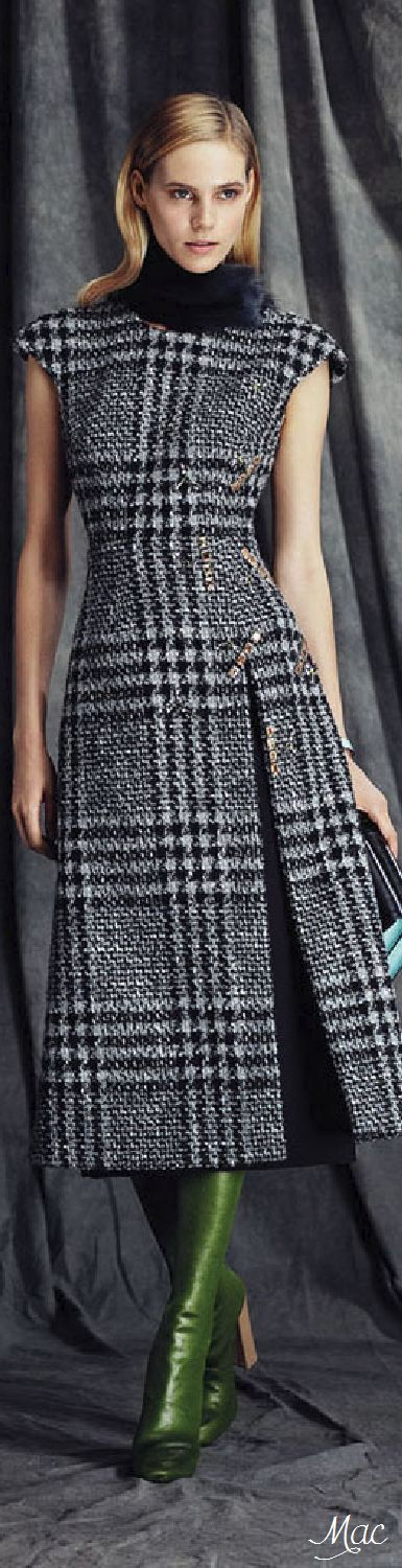 Sarli Couture fall 2015 fitted tweed dress with cap sleeves and furry collar. Perfect for the upcoming cold months!