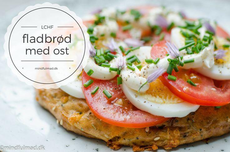 Du kan sagtens bage et godt LCHF fladbrød uden en masse special-produkter. Brødet er mættende og proteinrigt og egner blandt andet godt til morgenmad.