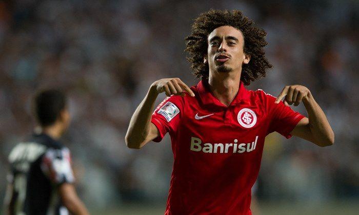 São Paulo e Santos até tentaram atravessas as negociações, mas o novo clube de Valdívia será mesmo o Atlético-MG nesta temporada 2017.