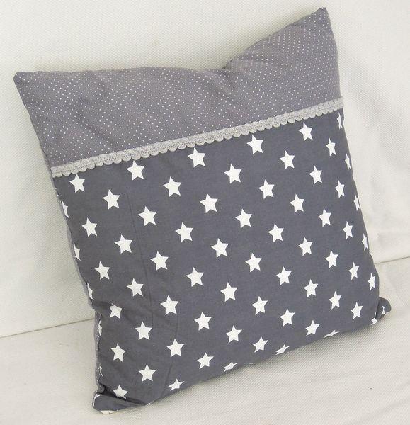 Des étoiles, du gris...