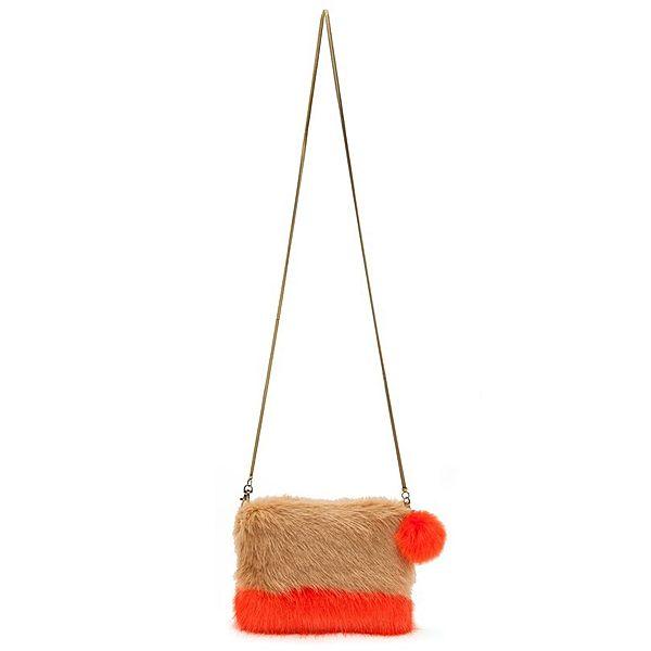 Ponpon çantalar şimdilerde çok moda