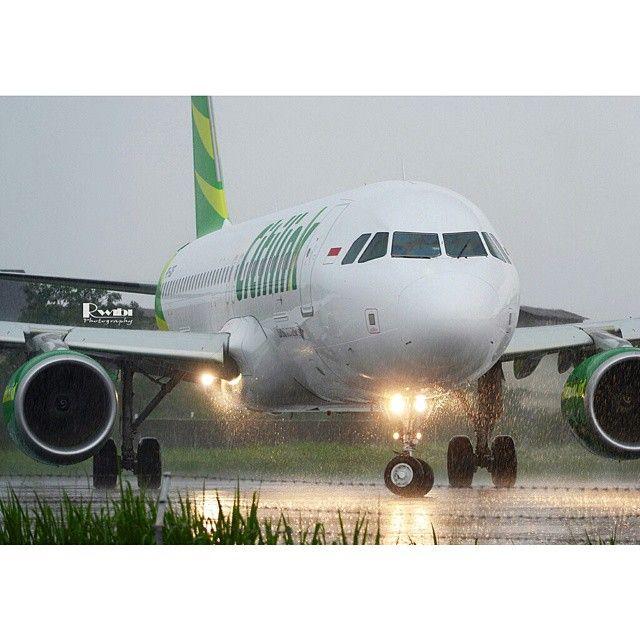 Heavy rain.. PK-GQF A320-214(SL) (2014.12.06) Rinaldi Wibiyanto @rwibi5 Instagram photo   Websta (Webstagram)