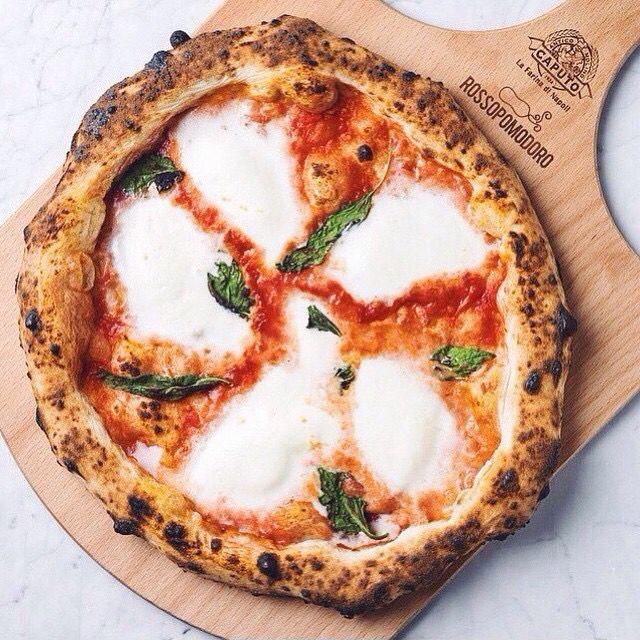 ✩ & more ★ https://fr.pinterest.com/miaprimeau/ #food #pizza