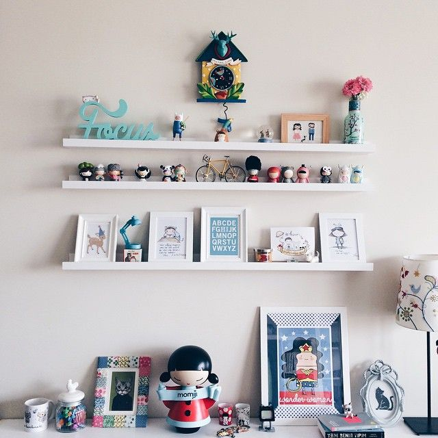 Total desk envy. Too cute. Love this instagram by @cansuciga.