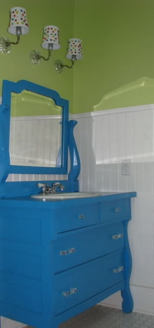 my mom has this exact vanity in her garage thats been there for 20 plus years