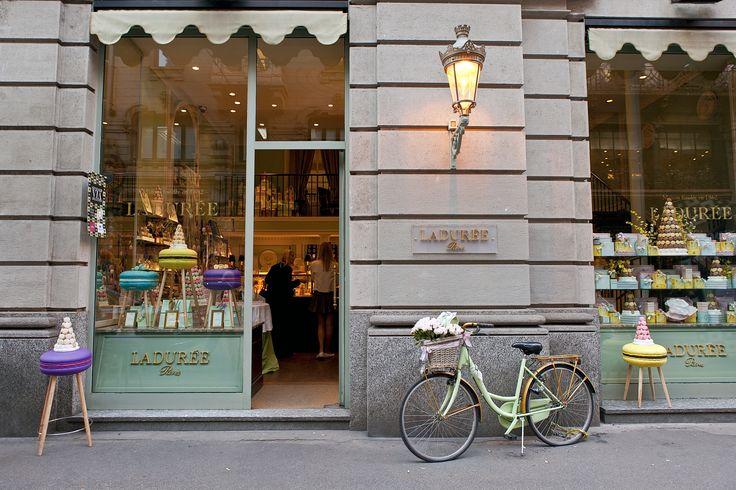 Makastool @ Ladurée - Paris