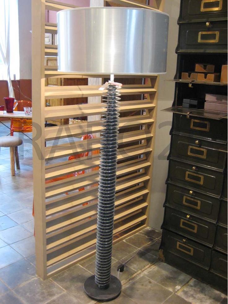 #Lampada da terra con base composta da antico #radiatore