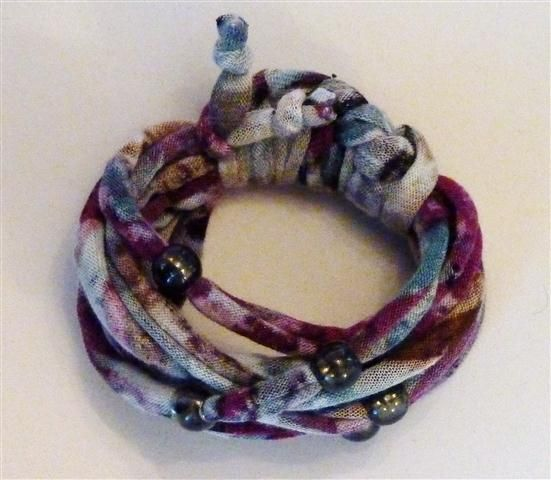Purple patterned bracelet with beads (10B)