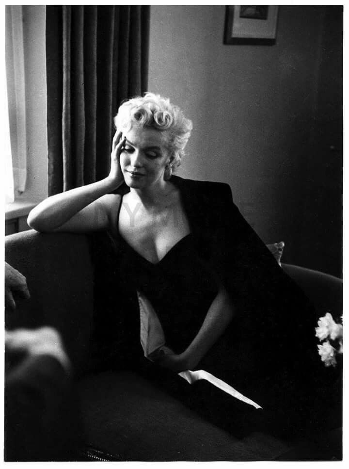 Pin by rapr1966 on miss marilyn monroe pinterest rare marilyn monroe and norma jean - Housse de couette marylin monroe ...