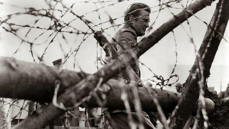 Ancile: LA SOLEDAD O EL SOLDADO, POEMA SEMANAL