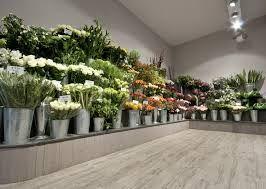 Afbeeldingsresultaat voor interieur bloemenwinkel