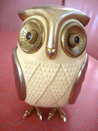 Vintage owl radio... freaks me out, changing the station by twisting the eyeballs?  Weird...                                                                                                                                                                                 More