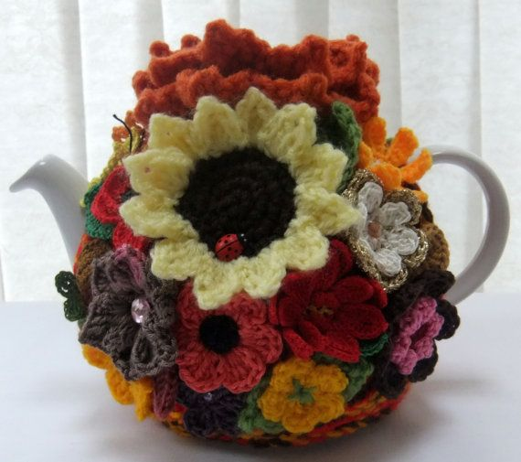 autumn garden tea cozy by Handmadewithlove66 on Etsy