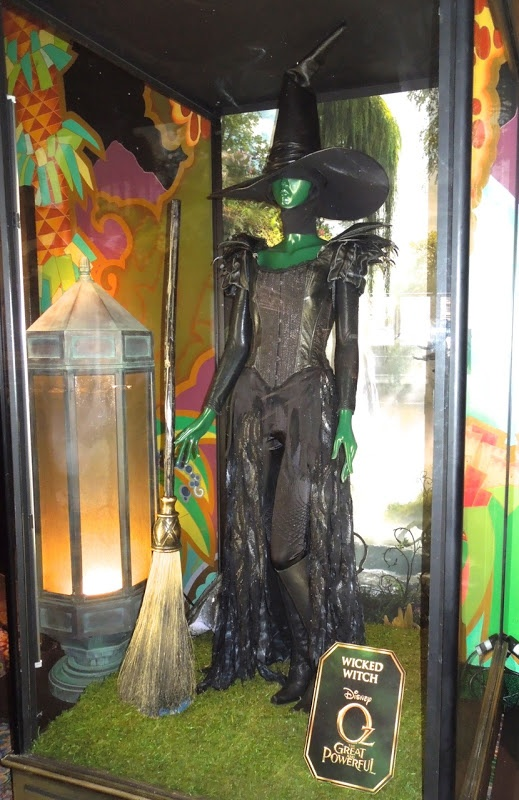 Wicked Witch costume worn by Mila Kunis in Oz The Great and Powerful...