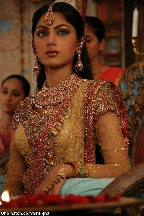 Sriti Jha (born 26 February 1986) is an Indian television actress best known for her roles as Jhanvi Viraj Dobriyal / Sia Raghavendra Pratap Singh in the show Dil Se Di Dua... Saubhagyavati Bhava? on Life OK and as Ganga in Balika Vadhu on Colors TV. As of April 2014, she is playing Prof. Pragya Arora in Ekta Kapoor's Kumkum Bhagya on Zee TV. like : http://www.Unomatch.com/Sriti-jha/
