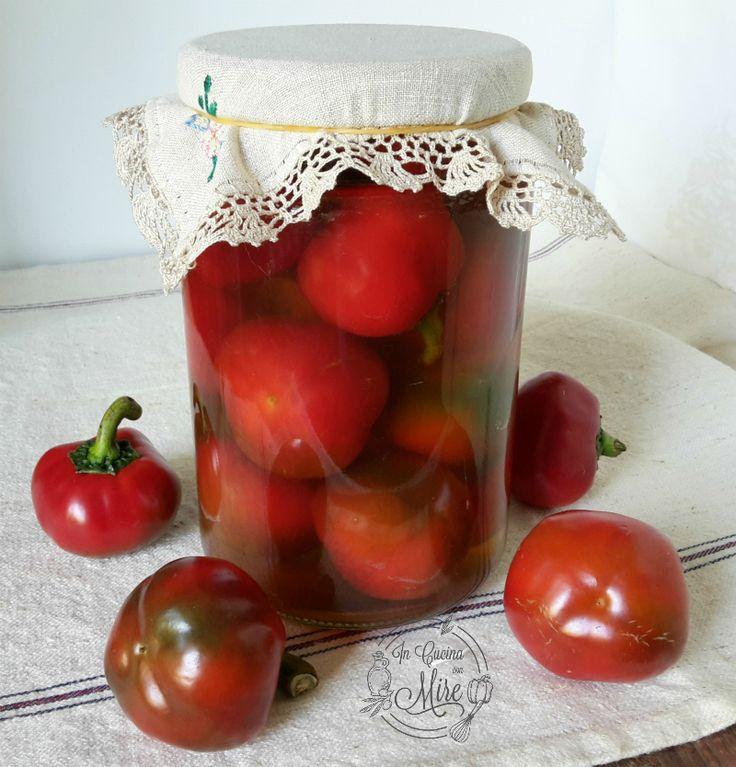Peperoni sottaceto da conservare per l'inverno, antica ricetta calabrese