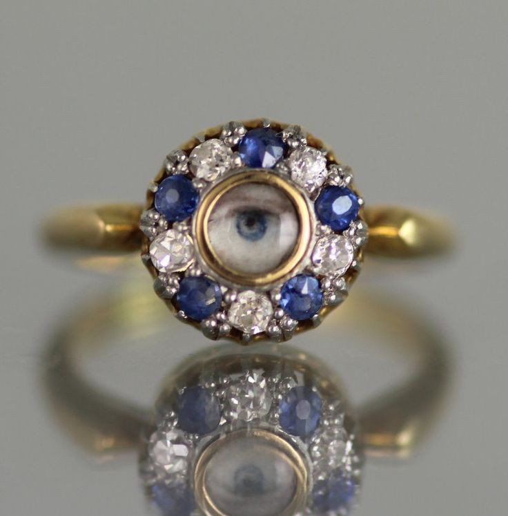 ANTIQUE 18CT GOLD & DIAMOND & SAPPHIRE RING WITH LOVERS EYE MINIATURE.