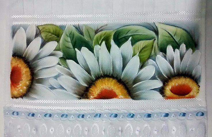Nós estamos no bairro Gramacho – Duque de Caxias Conheça nossos cursos de Artesanatos: Pintura em tecido, madeira, vidro e porcelana Crochê, Tricô e Bordados Biscuit Clique na i…