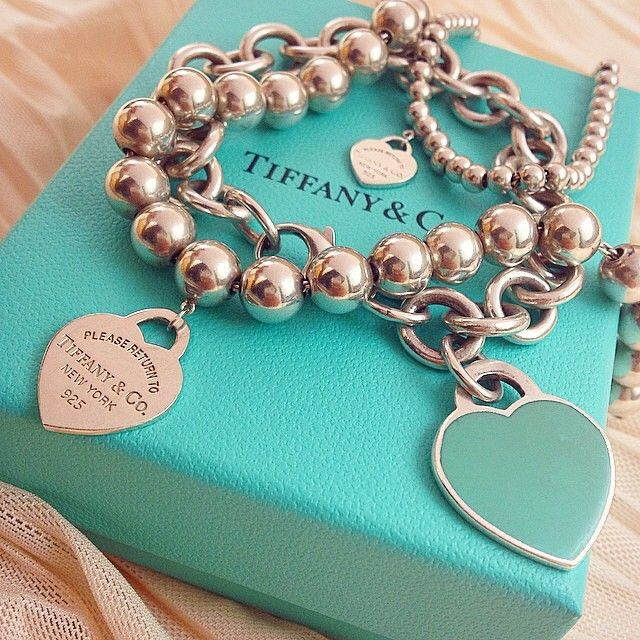 """Hope everyone had a great Labor Day weekend! ☀️Here is some beautiful Tiffany & Co. arm candy for you  thank you @franpeach """