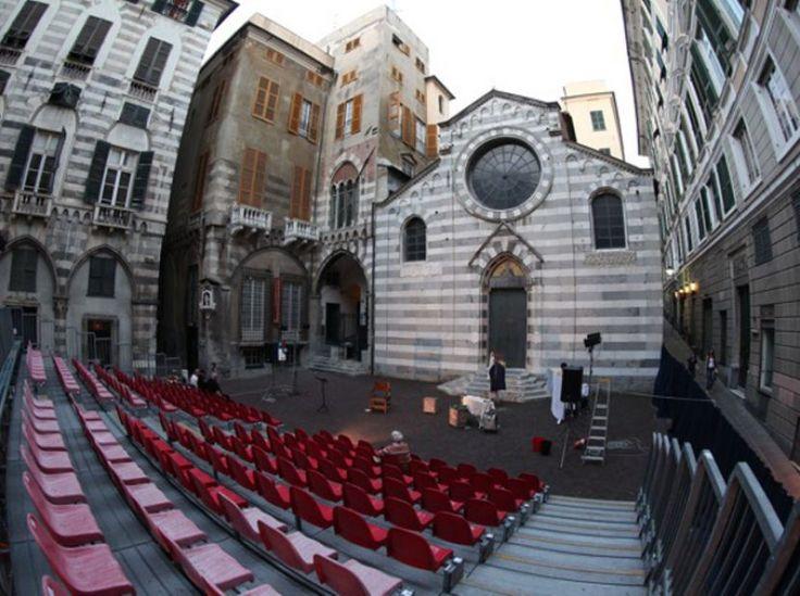 FESTIVAL IN UNA NOTTE D'ESTATE Il grande teatro scende in piazza, a Genova nel cuore di San Matteo, a Chiavari, Sestri Levante e Vernazza