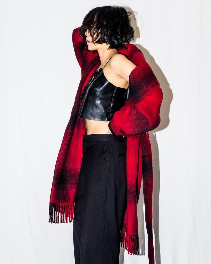 #artxdesign #nextdoormodel #wearethepeople #featuremeofh #portraits_ig #offtherailsinspo #nyfw #editorial #pursuitofportraits  #35mm #artdirection #metalonline  #zara #vintage #outfitinspo#outfitdaily #snobshots #ootd  #me #look #fashion #fashionblogger #fashionstyle #currentlywearing #fblogger #whatiwore #instafashion #streetstyle #stylish #ootd #wkndnodel #alexanderwang #zara