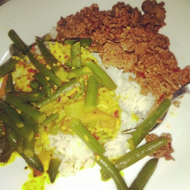 Dinner tonight is green bean curry rice and chilli and soy beef mince. #srilankanfood #pertheats #perthfood #perthfoodie #yummy #nomnomnom #food #foodie #perthcook #srilankancooking