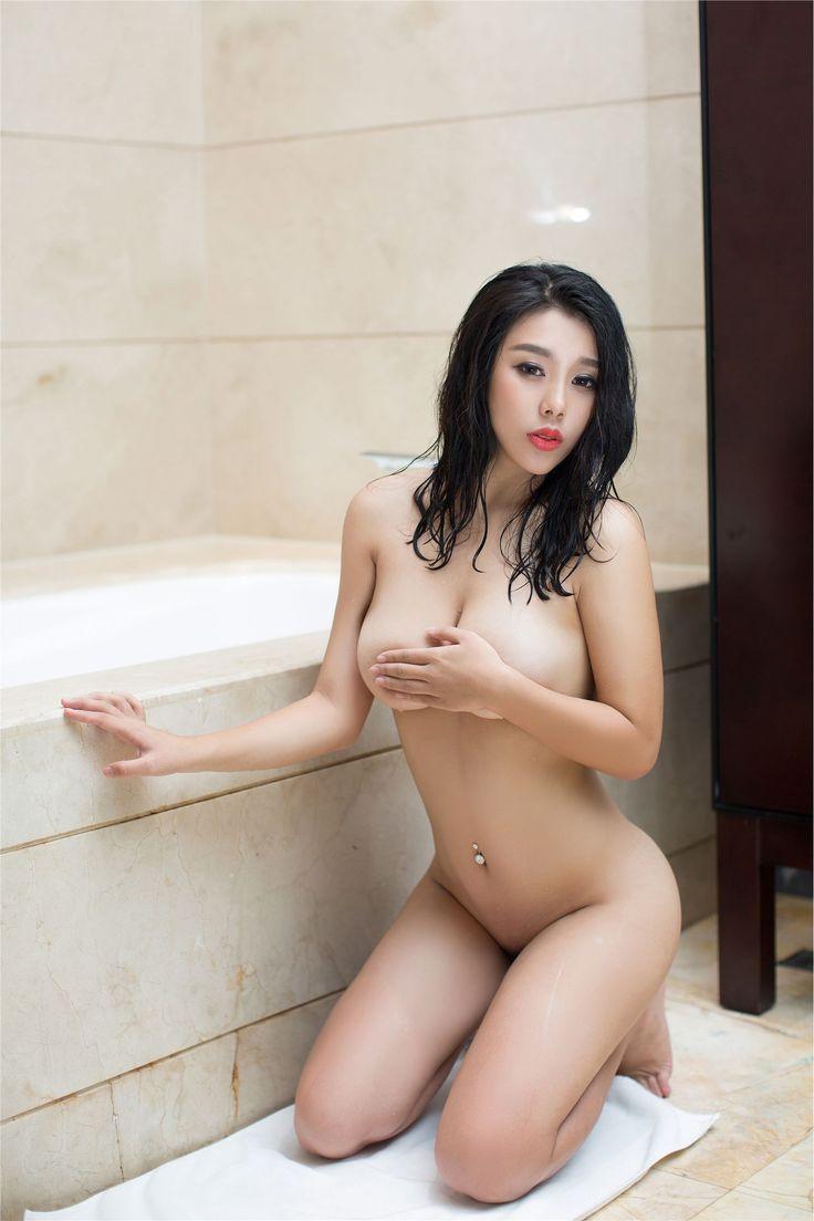 [Ugirls尤果网]洗澡中的裸体美女