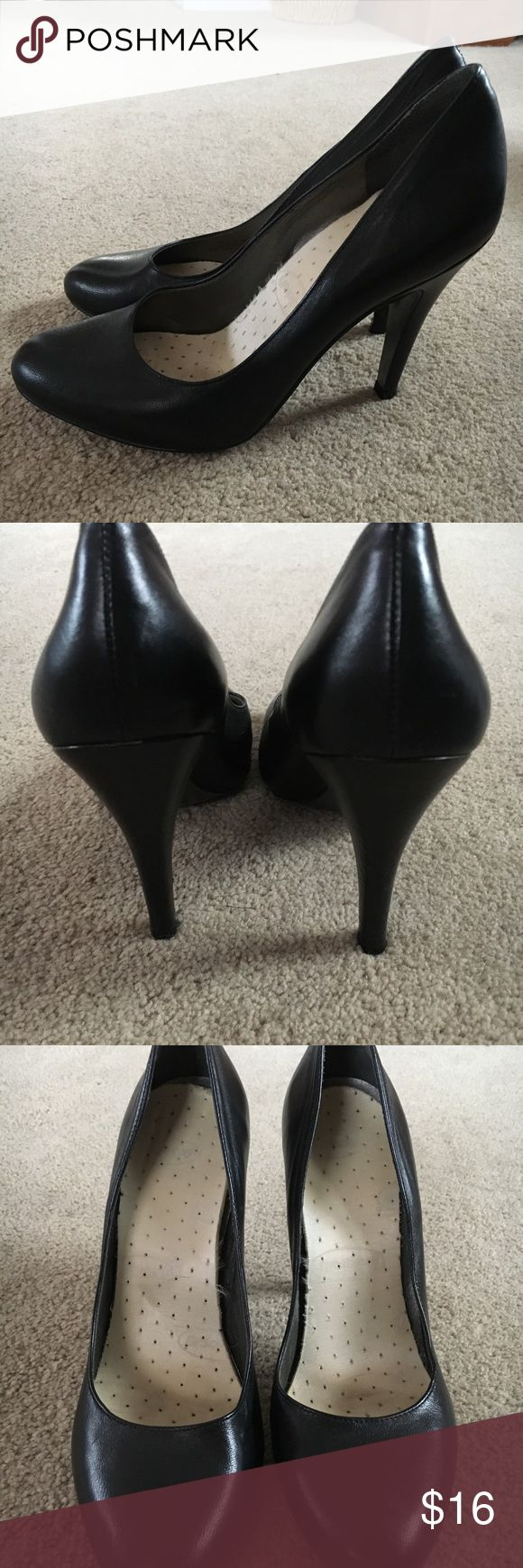 Jessica Simpson Genuine Leather Black Pumps Jessica Simpson genuine black leather pumps with Dr. Scholls gel support insert, good used condition Jessica Simpson Shoes Heels