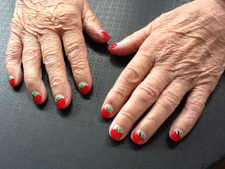 Some Nail art calms Mami down. Apples