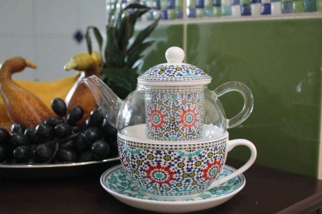 Szklany dzbanek z porcelanową filiżanką i filtrem z serii MAROKO