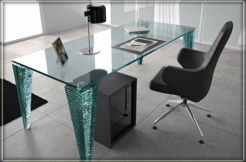 Стеклянные столы на заказ для офиса и дома.