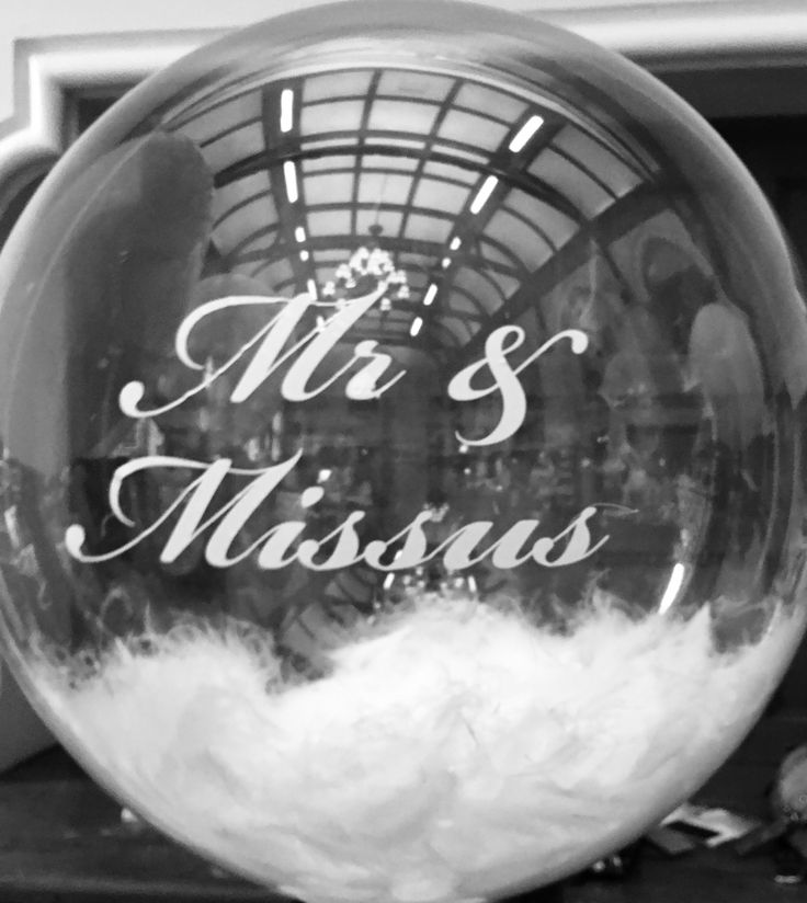 Wedding film noir personalised white feather balloons