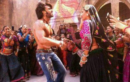 FIR against #Ranveer, #Deepika, Bhansali for 'Ram Leela'... http://www.buzzintown.com/bollywood-news--fir-against-ranveer-deepika-bhansali-ram-leela/id--8858.html #Bollywood